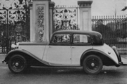 2) Coachcraft Ltd 4-light Touring Saloon Driving Member