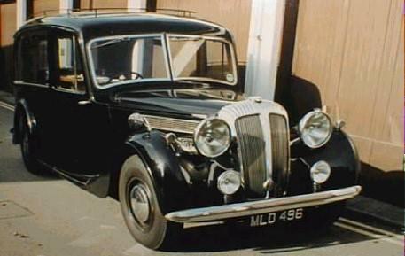 DE27 1948 with hearse body (MLO496).jpg