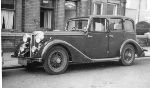 1) Daimler-bodied 6-light Saloon Philpot Collection