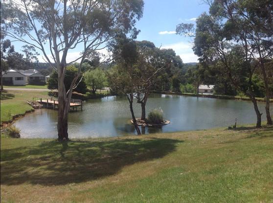 Hahndorf Views - lake2.JPG