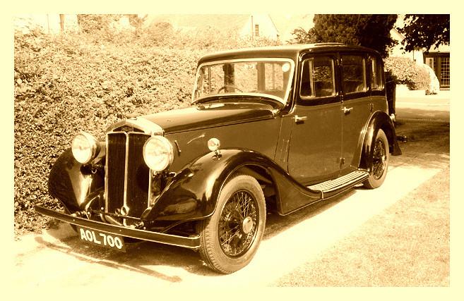 4) Daimler 6-light Saloon AOL700 K.Bennett