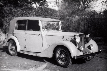 2) Salmons & Sons Tickford Cabriolet B.E.Smith Collection DYO20