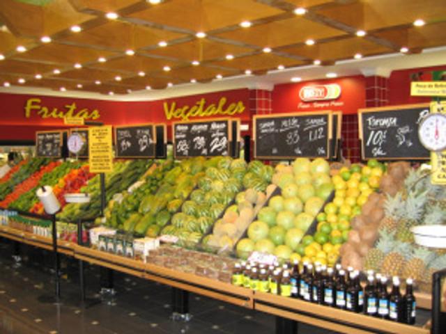 David_City_Rey_grocery_store