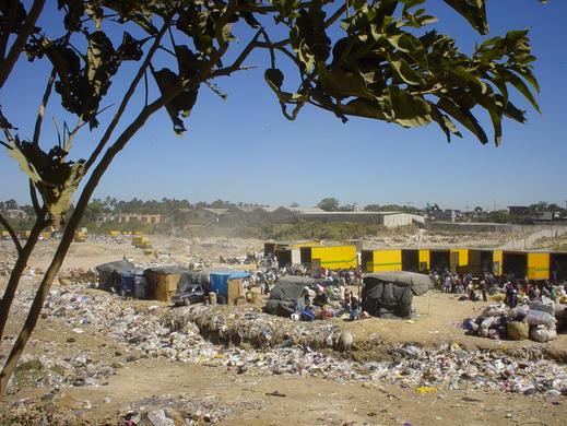 Mülldeponie als Arbeitsplatz