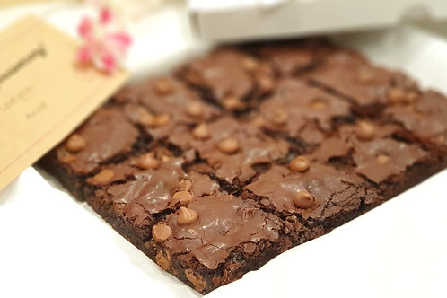Milk Chocolate Chunk Brownie Box of 12