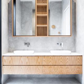 Neath_Bathroom.jpg