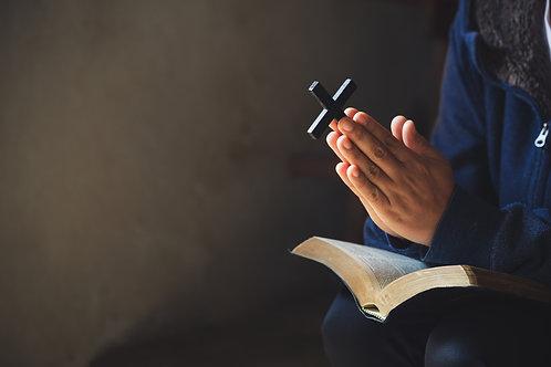 Cầu Nguyện Với Kinh Thánh Và Thánh Giá