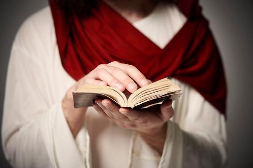Chúa Giêsu Cầm Kinh Thánh