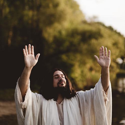 Chúa Giêsu Giơ Tay