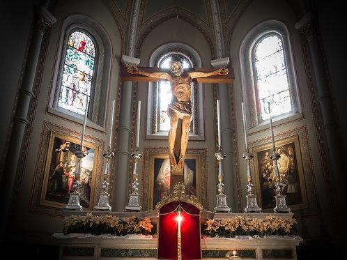 Tượng Chúa Giêsu Trong Nhà Thờ