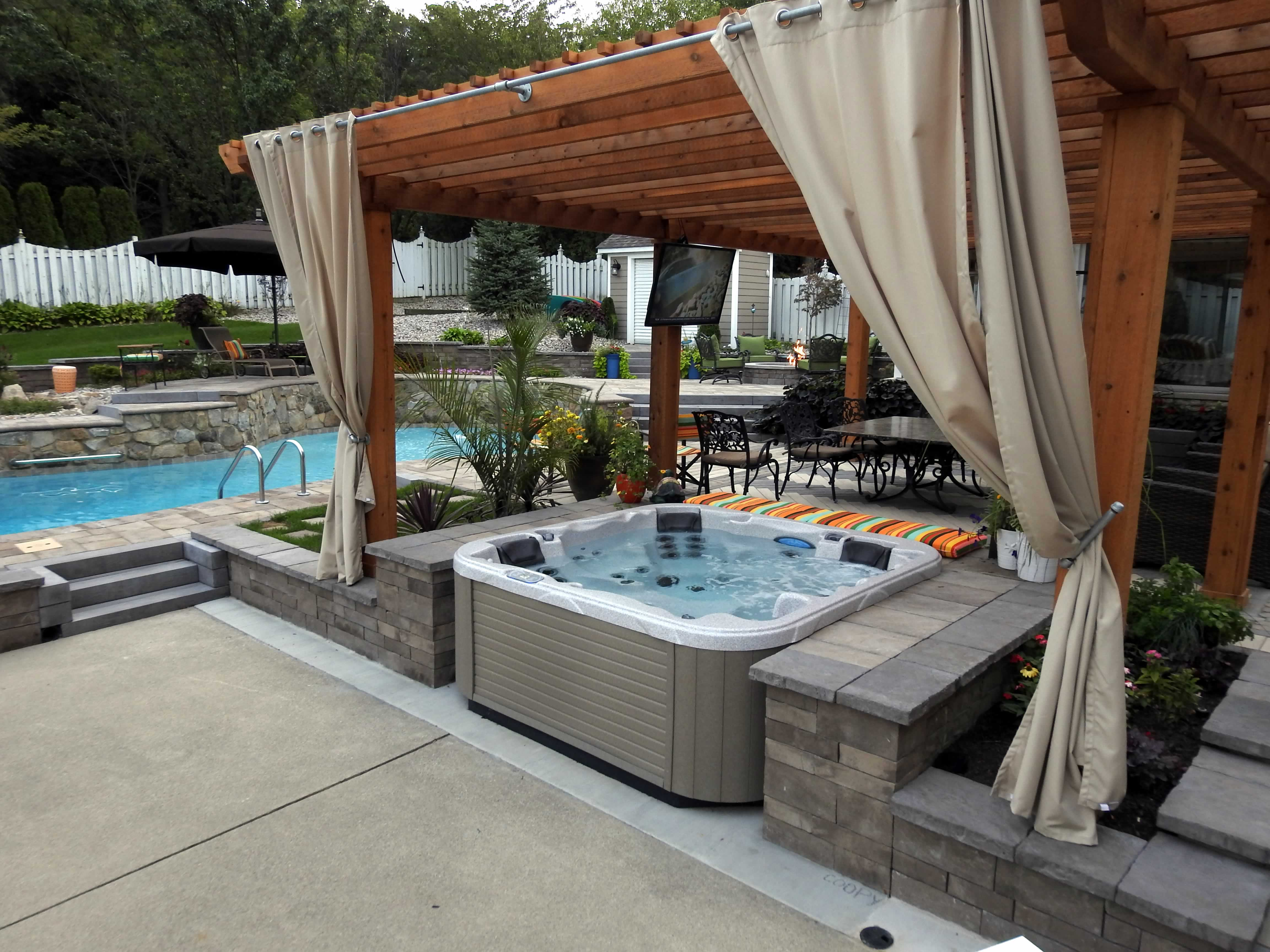 All Seasons Pools, Spas & Outdoor Living (3)