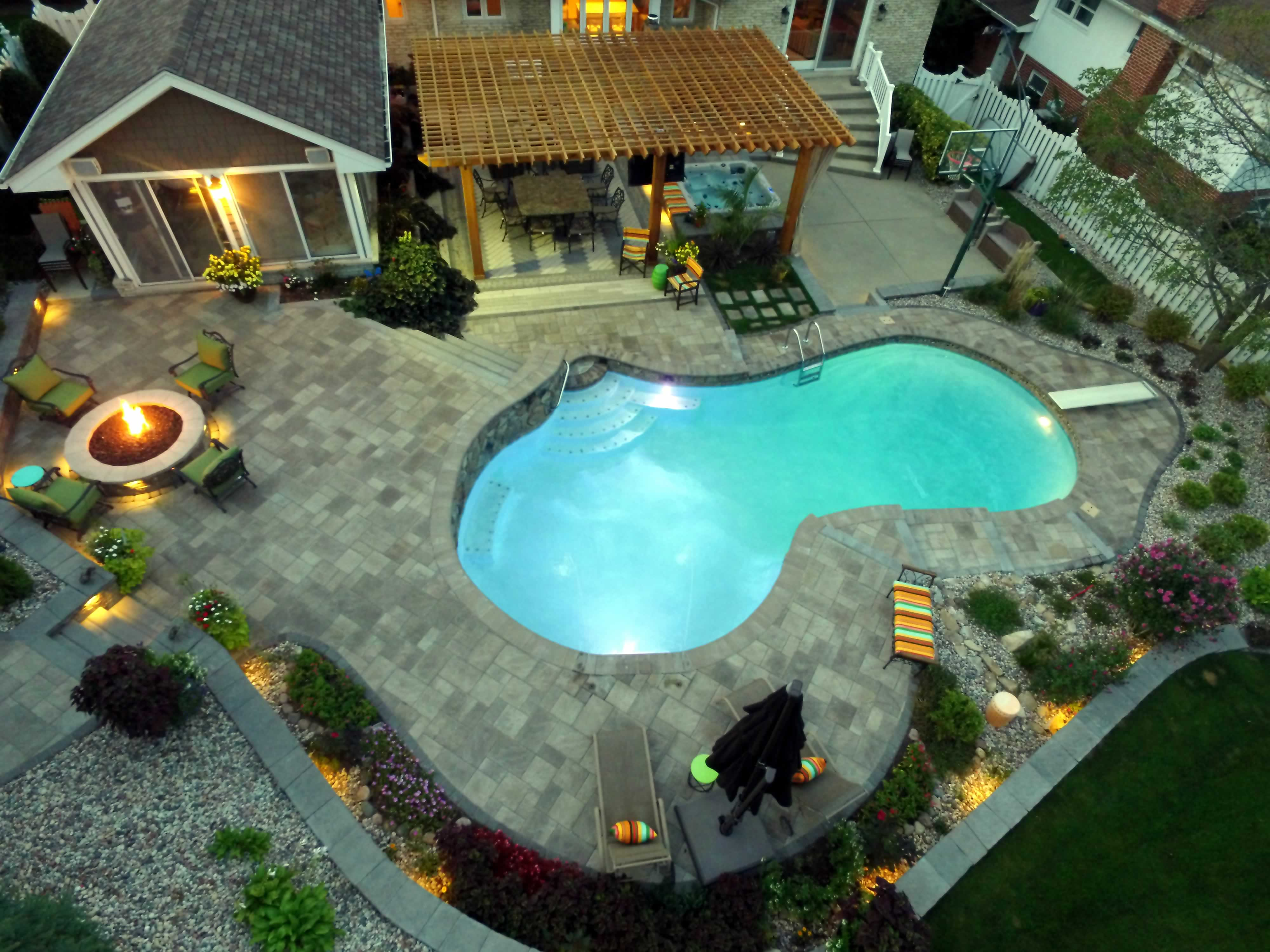 All Seasons Pools, Spas & Outdoor Living (1)