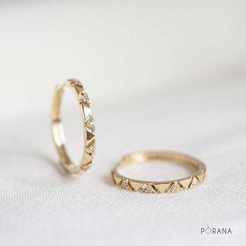 Pa Sinh | Diamond hoop earrings in triangle shape