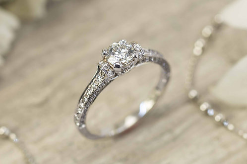 Beautiful Delicate Diamond Engagement ring in 18K white gold