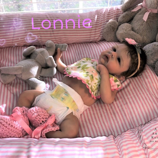 Lonnie is sculpted by Bonnie Sieben and molded/cast by Kristin Englert