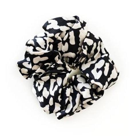 Scrunchie - Black & White Leopard