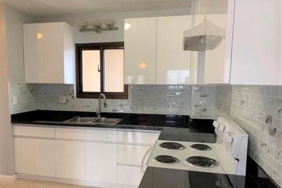 white kitchen 2 .jpg