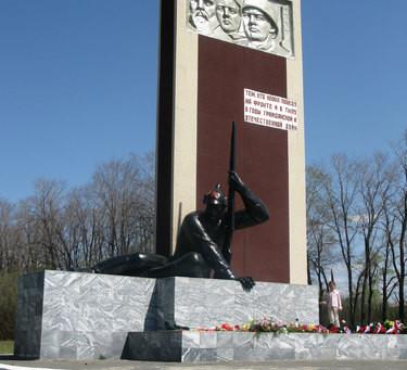 История создания памятника «Тем, кто ковал Победу на фронте и в тылу в годы Гражданской и Великой От