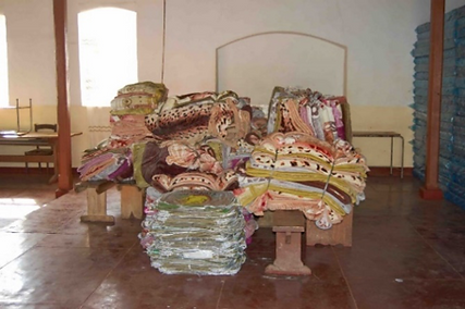 Distribution of blankets an sponges