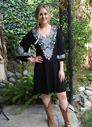 D 124 Black & White Bell Sleeve Dress