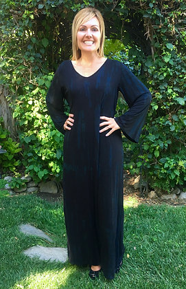 D 228 Black Marble Bell Sleeve Maxi Dress