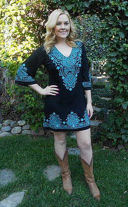 D 053 3/4 Black W/Turquoise Stitch Dress