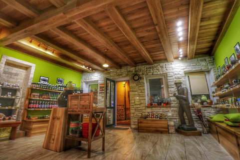 Dida Boza Gift shop interior.jpg