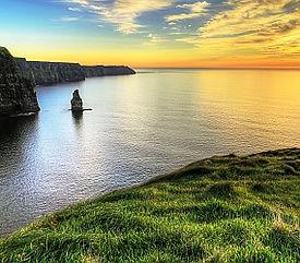 Cliffs-of-Moher-Sunset-ss_69524065_284x2
