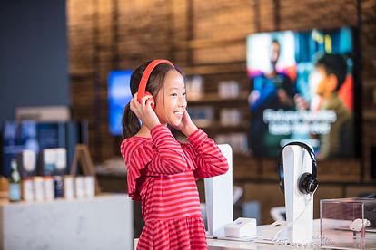 11_sxdc-girl_headphones.jpg
