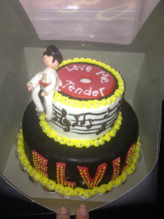 Facebook - A peek at Elvis!