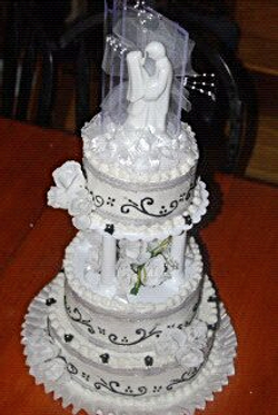 Facebook - FIRST wedding cake- simple but nice_edited