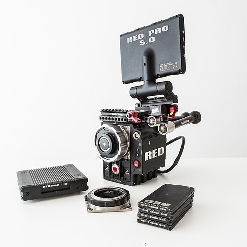 Red Epic 5K (met shoulder rig)