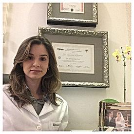 Dra Juliana Idalgo Feres-Dermatolgista