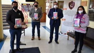 76 alumnos del Liceo Bicentenario de Llay Llay recibieron tablets para afrontar sus clases virtuales