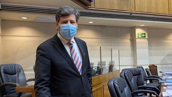Senadores de Chile Vamos presentan proyecto para sancionar a quienes ofendan los símbolos patrios
