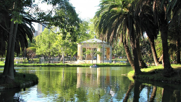 Atentos con el verano: Investigadora UPLA advierte sobre riesgo de contagio en lagos y lagunas