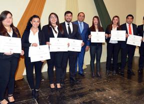 Se titularon nuevos profesionales y técnicos de nivel superior del IPLA