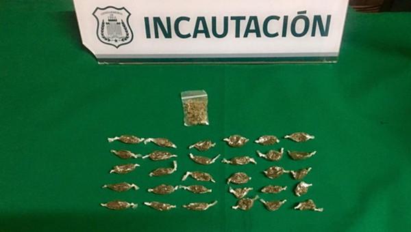 Mediante pelotazo esperaban entregar casi cien dosis de pasta base a interno de Los Andes
