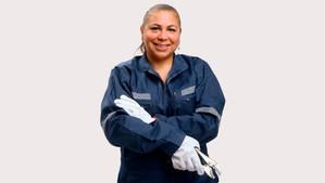 Esval y Seremi de la Mujer y Equidad de Género lanzan taller de gasfitería para toda la región