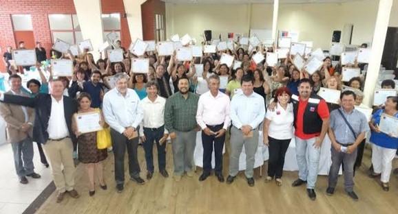 25 emprendedores de Panquehue recibieron su certificación de Fosis