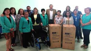 Servicio de Salud Aconcagua entregó sillas de ruedas y colchones antiescaras al Cesfam de Catemu