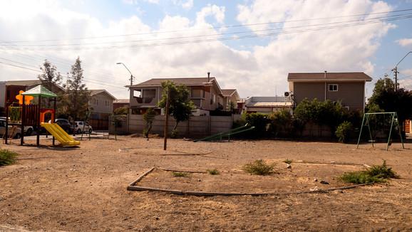 Comienzan anhelados trabajos de construcción de área verde en la Villa Los Ríos
