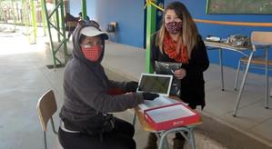 Estudiantes de quinto básico a cuarto medio recibirán tablet y conexión a Internet