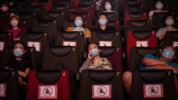 Volvamos al cine de manera segura: ACHS recomienda reforzar cuidados para disfrutar sin contagios