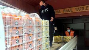 """Exportadora y comercializadora """"El Parque"""" entregó al municipio cajas de limones y naranja"""