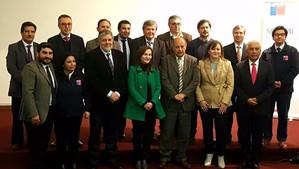 Alcalde Luksic firmó como miembro del Consejo Asesor Regional Técnico Profesional