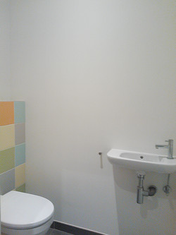 9 toilet