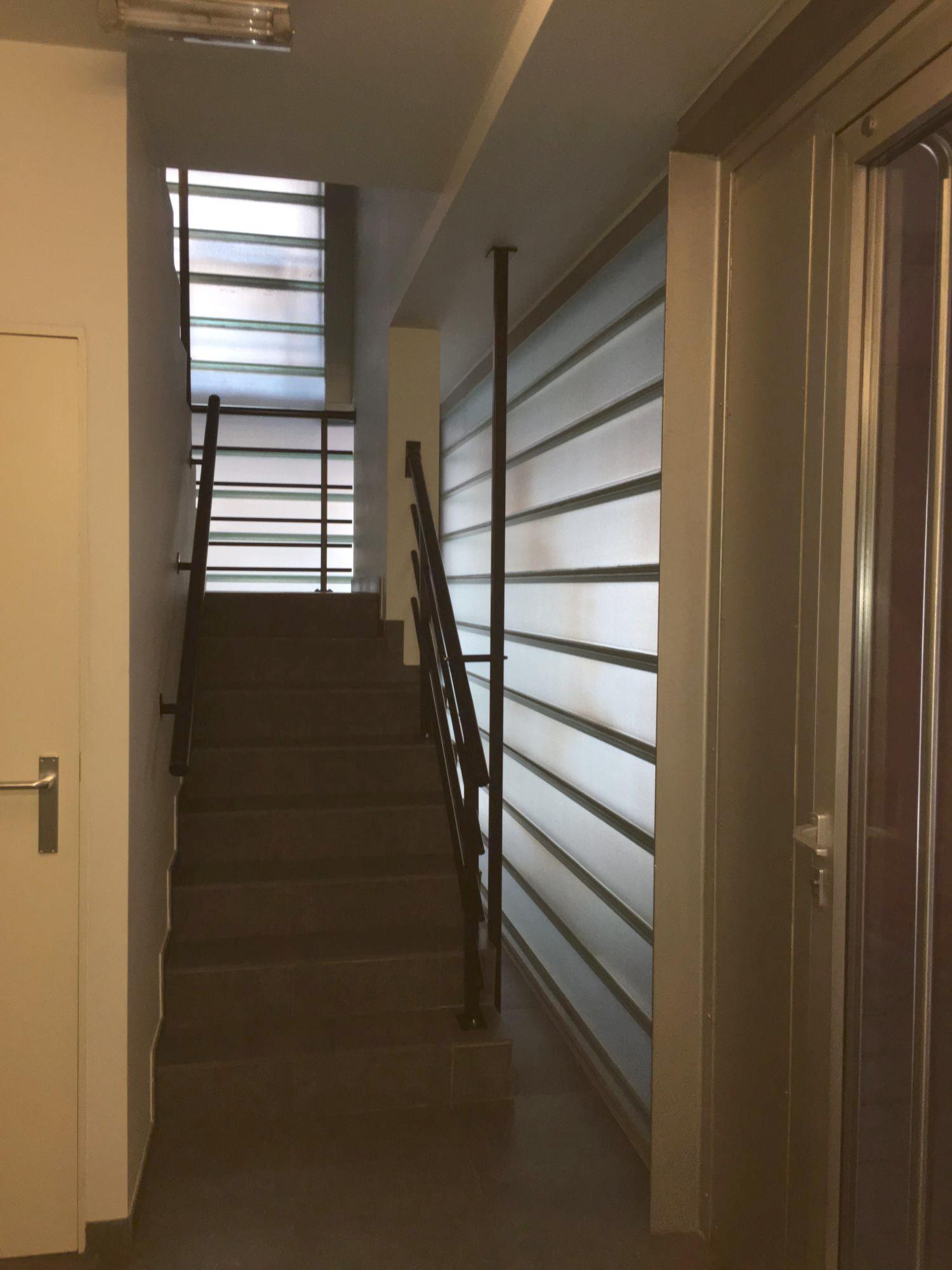 inkom gebouw trappen