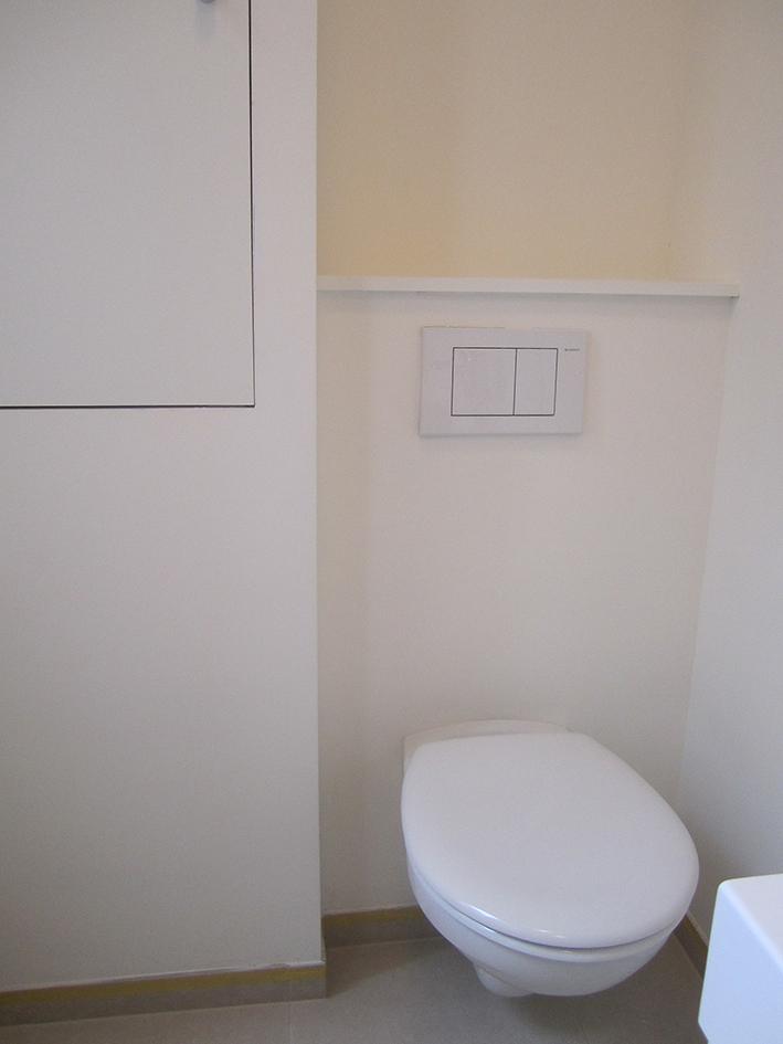 3 toilet