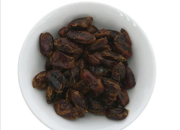 Whole pitted dates per 100g